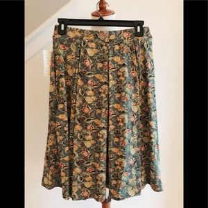 S (6-8) Madison skirt by Lularoe